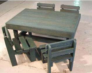 Toddler_table_and_chairs_set12117.jpg